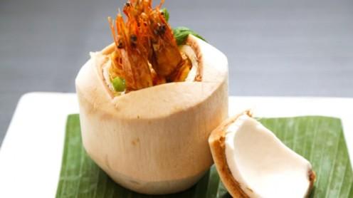 Gambas dans noix de coco frais
